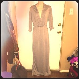 Dresses & Skirts - LONG grey maxi dress with half sleeves